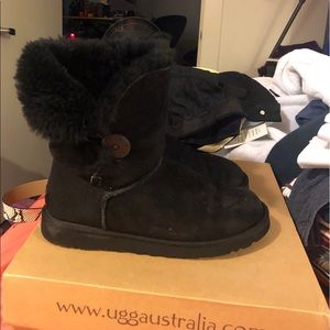 Ugg Black Bailey Button Women's Size 8